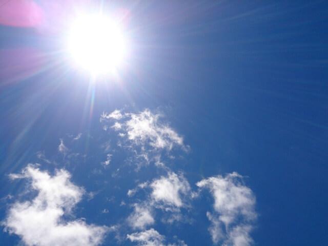 青空の太陽